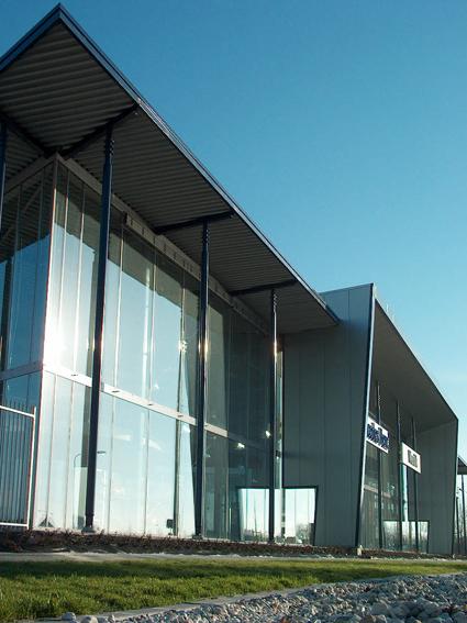 verticaal Mercedes Benz garage Heerenveen, Sipma Architecten