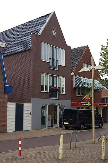 verticaal Winkelpand bovenverdieping Heerenveen, Sipma Architecten
